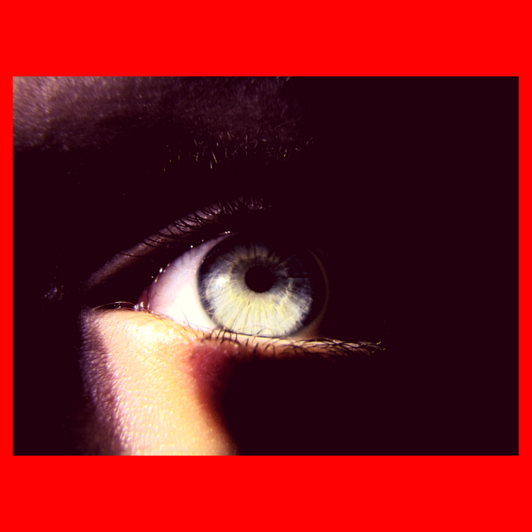 photo eyes red